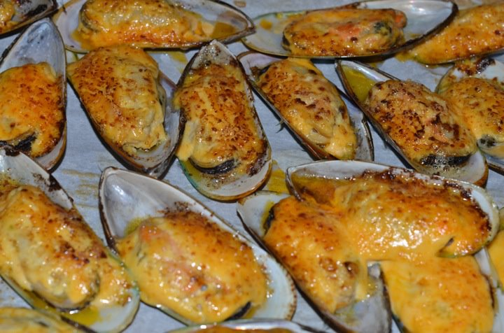 Chilled Mussels With Saffron Mayonnaise Recipe — Dishmaps